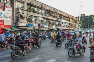 Helpful Tips for Crossing the Road in Vietnam